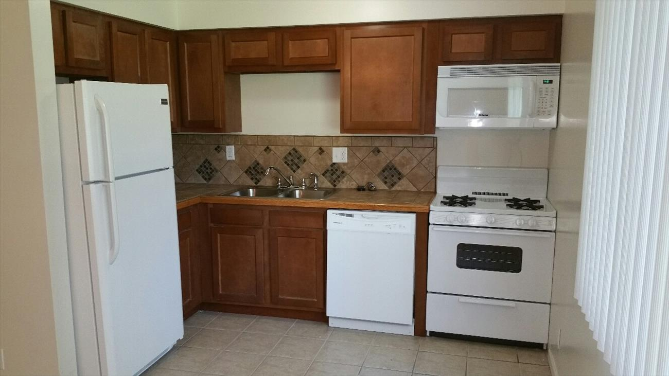 new kitchen cabinets with tile backsplash