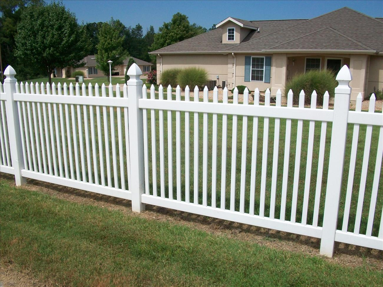vinyl fence around luxury home
